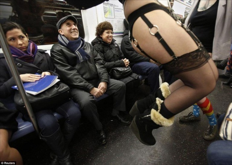 meet-n-fuck-subway-story-help-softcore-spanking-sexytures